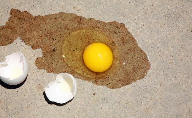 sidewalk egg frying day